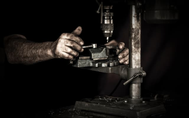 blog small images 2 640 x 400 - Handcrafted - Hands and machine in unison