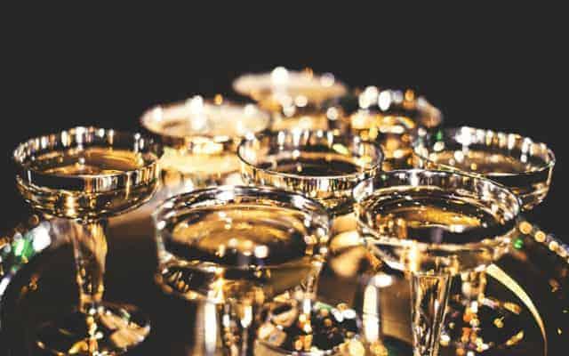 British FIZZ glasses - British Fizz - Did Britain invent Champagne?