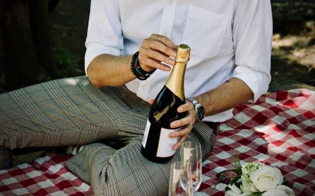 British FIZZ man and champagne - British Fizz - Did Britain invent Champagne?