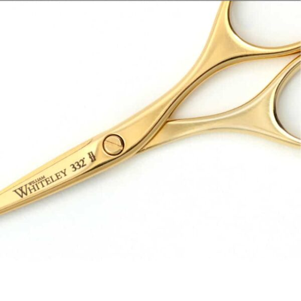 GOLD PLATED EMBROIDERY SCISSORS close up