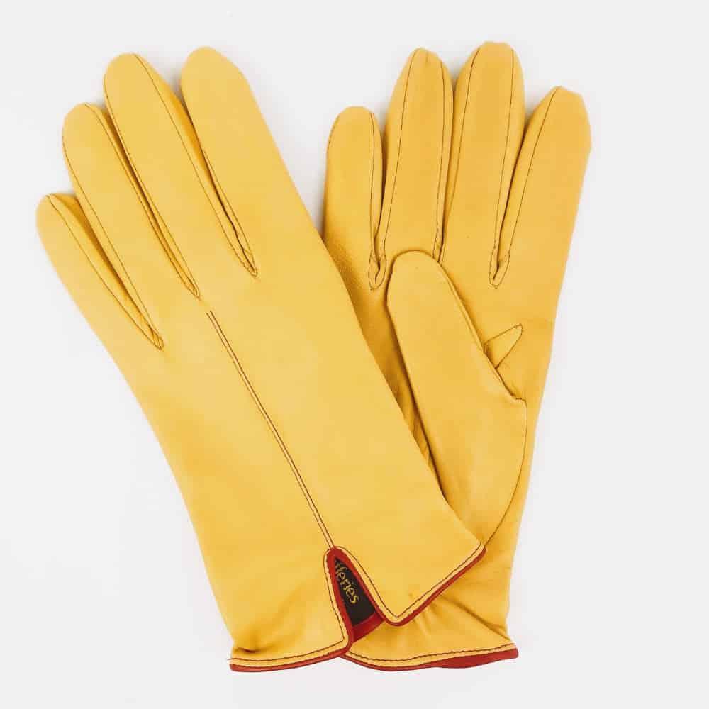 Kingsman gloves main shot