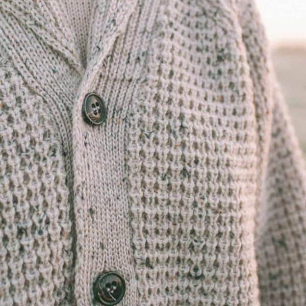 peregrine womens skiddaw shawl 1000x1000 lifestyle 2